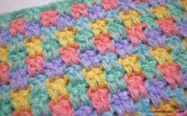 【簡単!】セリアの毛糸でベビーブランケット「Snuggle Stitch Blanket」を途中まで編んでみた。
