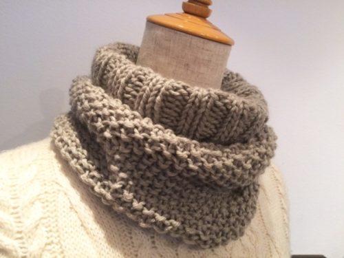 手編みマフラーより簡単に編めるオシャレなスヌード